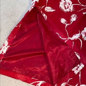 Harold's Skirts - Red and white flowery skirt